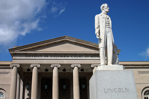 DC Court of Appeals and Lincoln by Flickr user Mr. T. in DC
